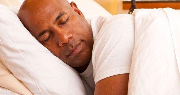 كيف تنام بعد عملية زراعة الشعر :D نصائح لنوم مريح بعد العملية